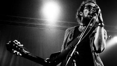 """bbcce50e 0c47 4a69 928f 42159815b1a6 1200x800 1 390x220 - Kamankola presenta el video musical """"Esto se va de lao"""", tema que hace parte de su más reciente álbum """"Desde Dentro""""."""